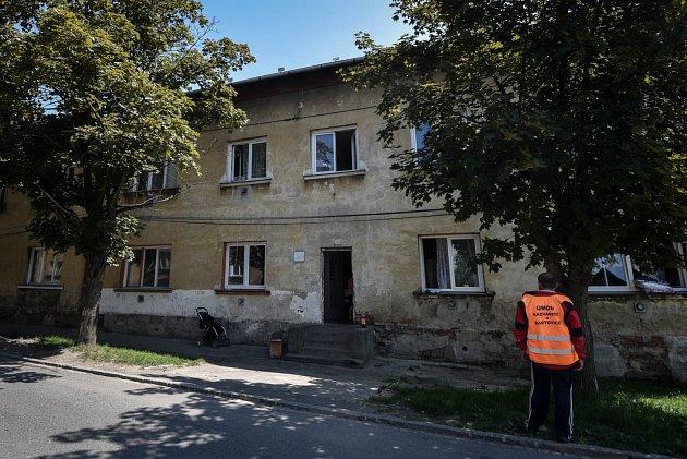 Starousedlíkům na Trnkovci vadí kromě obyvatel Pátovy ulice také lidé znedaleké Trnkovecké ulice, kde Centrom rovněž působí.