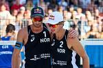 Finále muži: ČR - Norsko. FIVB Světové série v plážovém volejbalu J&T Banka Ostrava Beach Open, 2. června 2019 v Ostravě. Na snímku (zleva) Anders Berntsen Mol (NOR), Christian Sandlie Sørum (NOR).