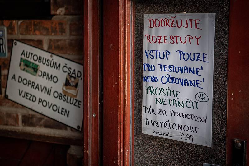 Stodolní ulice v Ostravě, 11. června 2021. Music Club E99.