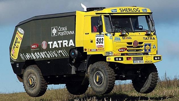 Také Loprais Tatra Team z Frenštátu pod Radhoštěm finišuje z přípravami a od dnešního dne testují své vozidla v tuniské poušti.