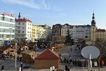Předvánoční atmosféra na Masarykově náměstí v Ostravě.