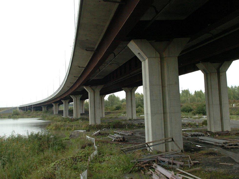 Dálniční most v Polance