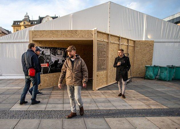 Primátor Ostravy Tomáš Macura na Masarykově náměstí vOstravě, sobota 16.listopadu 2019.