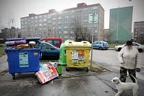Balící papíry válející se u kontejnerů a povánoční výprodeje v obchodech jsou jasným signálem, že je po svátcích.