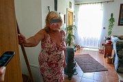 Seniorka zabila ve svém domě nevítaného hosta.