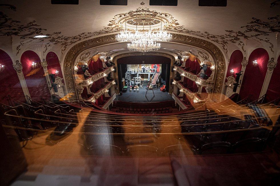 Přípravy na speciální prohlídku divadla Antonína Dvořáka která se bude streamovat 21.11.2020 (noc divadel).
