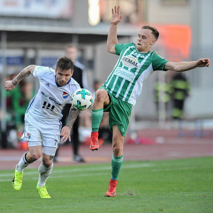 Zápas 24. kola první fotbalové ligy: FC Baník Ostrava vs. Bohemians Praha 1905, 14. dubna 2018 v Ostravě. (vlevo) Fillo Martin a Hašek Martin.