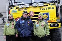 Aleš Loprais vyjel v tatrovce se svým týmem v úterý od Nové radnice v Ostravě na start nadcházející Rallye Dakar, která se ovšem pojede v Jižní Americe