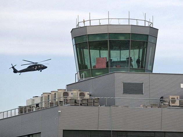 Nová věž Řízení letového provozu na Letišti Leoše Janáčka v Mošnově by měla být již brzy dokončena. Stěhování začne v březnu, celkem se do nové budovy přesune na čtyřicet pracovníků.
