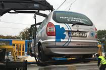 Snímek dopravní nehody, která se stala ve středu dopoledne v ulici Výškovické v Ostravě-Zábřehu.