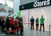 Slavnostní otevření největší prodejny iStores Apple Premium Reseller v Česku v ostravském nákupním centru Forum Nová Karolina.