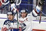 45. kolo hokejové extraligy mezi HC Vítkovice Ridera - HC Dynamo Pardubice v Ostravě dne 14. února 2020. Zleva (radost) Jan Hruška z Vítkovic a Peter Šišovský z Vítkovic.