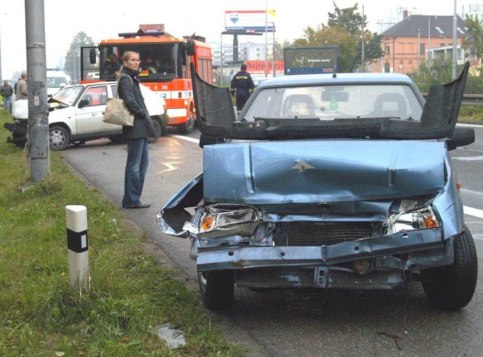 Hromadná nehoda voidel na Místecké ulici v Ostravě