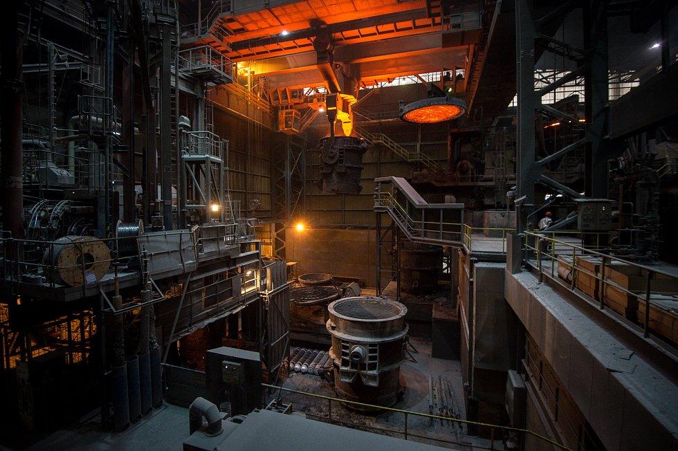 Podnik ArcelorMittal Ostrava, 19. října 2018 v Ostravě. Na snímku provoz Minihuť, ocelárna. Závod plynulého odlévání.