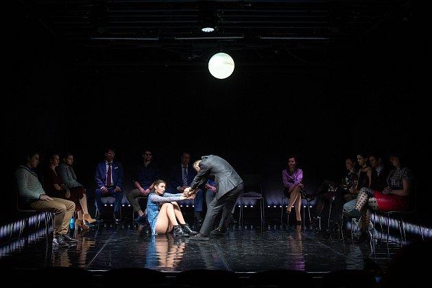Sára Erlebachová jako Marta a František Strnad vroli Marka na zkoušce inscenaci Opilí 14.března 2019vOstravě. Premiéru uvede Národní divadlo moravskoslezské (NDM) 16.března na komorní scéně Divadla '12'.