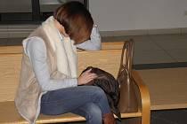 Policistka odešla od soudu s podmíněným trestem a zákazem práce u policie.