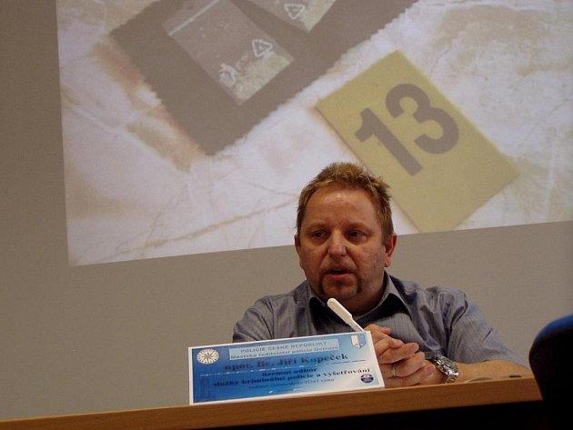 Šéf Toxi týmu Jiří Kopeček na čtvrteční tiskové besedě.