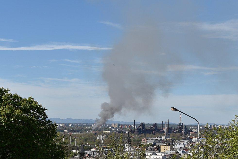 Požár v Ostravě-Vítkovicích, pondělí 10. května 2021.