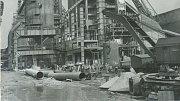 Stavba vysoké pece č. 3 (24. 10. 1958).