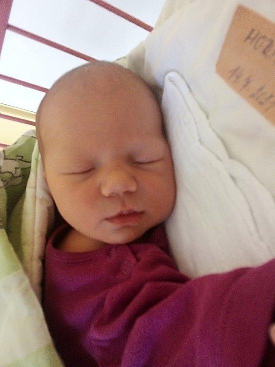 Mia Horňáková, Krnov, narozena 14. července 2021 v Krnově, míra 48 cm, váha 3330 g. Foto: Pavla Hrabovská