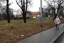Místo v Ostravě-Vítkovicích, kde by už letos na podzim měl stát nový supermarket, se nachází za křižovatkou ulic Rudná a Výstavní