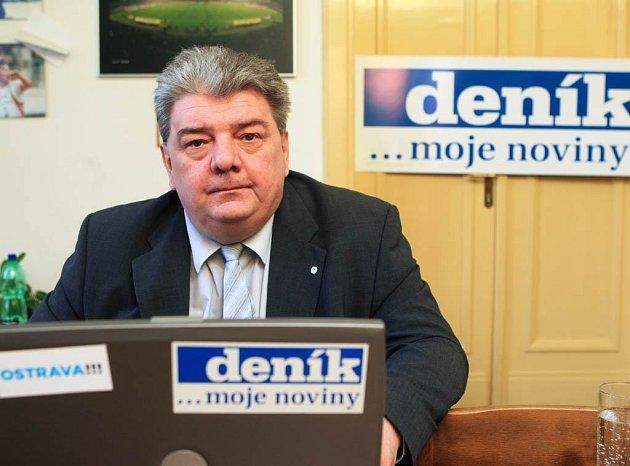 Josef Babka v redakci Moravskoslezského deníku