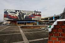 """Z prostor před nákupním centrem Železňák v Hrabůvce se má stát do dvou let """"nové"""" centrum nejlidnatějšího ostravského obvodu."""
