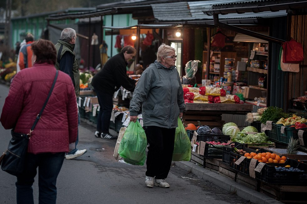 Trhy v polském Zabełkówe.