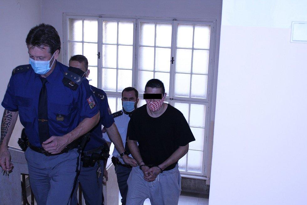 Za krádež vibrátoru půjde muž definitivně na dva roky za mříže. V pondělí o tom rozhodl odvolací Krajský soud v Ostravě.