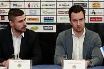 Nové posily do hokejových Vítkovic. Vlevo Ivan Baranka, vpravo Ondřej Roman.