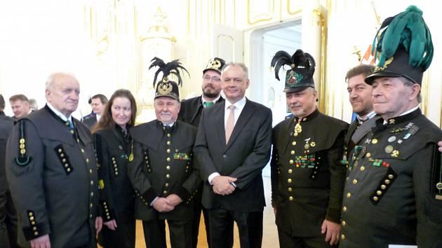 Horníci u slovenského prezidenta, Josef Gavlas zcela vpravo.