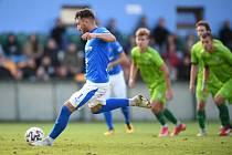 Fotbalisté Baníku Ostrava vyhráli středeční utkání 3. kola MOL Cupu na hřišti třetiligového Vltavína 5:2 po prodloužení. Vítězný gól dal ve 101. minutě z penalty Ondřej Chvěja.