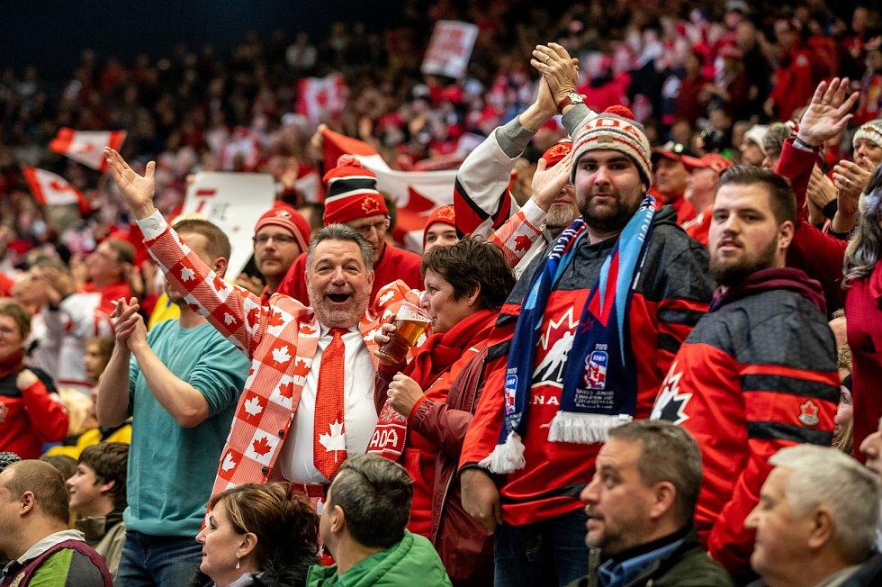 Mistrovství světa hokejistů do 20 let, semifinále: Kanada - Finsko, 4. ledna 2020 v Ostravě. Na snímku fanoušci.