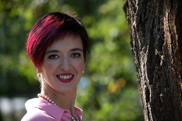 Zdenka Němečková Crkvenjaš, česká lékařka a politička, známá jako vedoucí týmu lékařů popálené Natálie Kudrikové při žhářském útoku ve Vítkově vroce 2009.