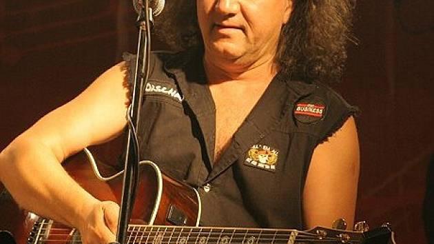 Andonis Civopulos je rockem posedlý už mnoho let.