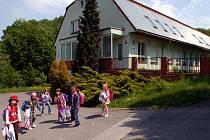 Mateřská škola v Proskovicích má na střeše sluneční kolektory, které ohřívají vodu i pro několik bytů