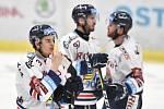 Čtvrtfinále play off hokejové extraligy - 4. zápas: HC Vítkovice Ridera - HC Oceláři Třinec, 25. března 2019 v Ostravě. Na snímku (zleva) Daniel Krenželok, smutek Vítkovic.