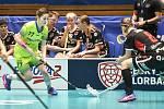 Pohár mistrů ve florbalu, o 3. místo (ženy): 1. SC Vítkovice - SB-Pro Nurmijarvi, 12. ledna 2020 v Ostravě. Na snímku (zleva) Zuzana Krzywak a Jaana Lirkki.