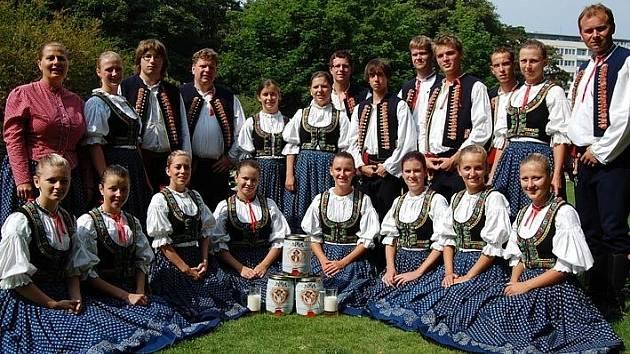 V příštím roce oslaví soubor lidových písní a tanců Valašský vojvoda z Kozlovic již čtyřicet let od svého založení a za ta léta si vybudoval dobré jméno doma i v zahraničí.
