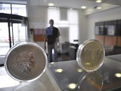 Investiční zlato a stříbro může mít i podobu investičních medailí.