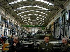 Vojenský opravárenský závod VOP CZ v Šenově u Nového Jičína zažil v uplynulých letech několik významných státních návštěv.