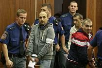 Soud vynesl verdikt nad deseti Bulhary a ženou z Ostravy, kteří měli být zapojení do obchodování s medikamenty.