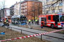 Nedělní nehoda trolejbusu v Sokolské ulici v centru Ostravy.