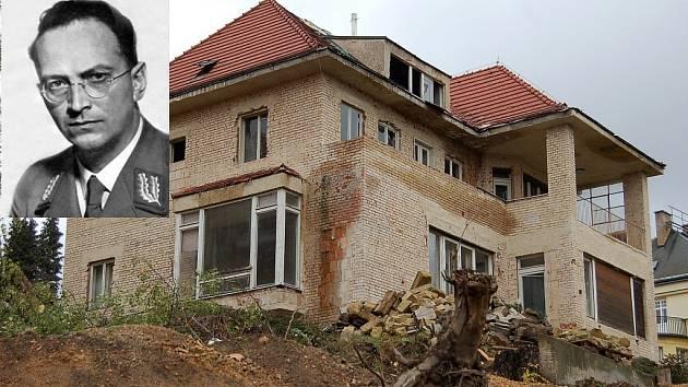 Bývalá Henleinova vila (na archivním snímku) byla postavena v roce 1937 ve stylu pozdního funkcionalismu.