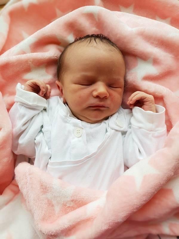 Marie Dudová, Chuchelná, narozena 11. června 2021 v Opavě, míra 52 cm, váha 3670 g. Foto: Lucie Dlabolová, Andrea Šustková