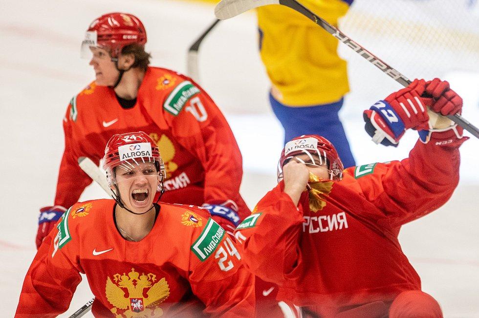 Mistrovství světa hokejistů do 20 let, semifinále: Švédsko - Rusko, 4. ledna 2020 v Ostravě. Na snímku (vlevo) Nikita Alexandrov (RUS).
