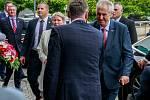 Návštěva prezidenta Miloše Zemana v Moravskoslezském kraji. Uvítání na Krajském úřadě, zády hejtman Ivo Vondrák.