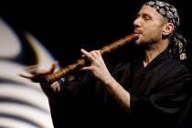 Japonská flétna shakuhachi.