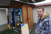 Před třemi lety otevřel Miroslav Dudek (na snímku) první automat na čerstvé mléko v Ostravě-Heřmanicích.