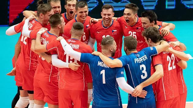 Čeští volejbalisté porazili v Ostravar Aréně úřadující evropské vicemistry ze Slovinska 3:1.